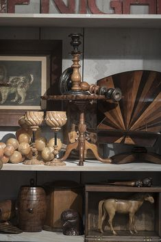 Curiosities, collectors items such as treen, and antique prints
