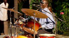 #JIMMY #DAKAR #SOUL #DOCUMENTAL #FILM - JIMMY DAKAR SOUL by Bammakoculture - Pape Niang es Batería, armonicista y cantante de Soul, el Blues, la Salsa y el Rock Pape Niang, aún en activo, fue miembro importante de la escena musical de los 70. Ciego de nacimiento, hoy sigue alzando su voz por la integración de los discapacitados en la sociedad senegalesa. +INFO: www.facebook.com/jimmydakarsoul  CAMPAÑA verkami www.verkami.com/projects/3947