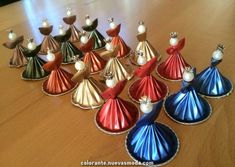 Nespresso capsules can be used in so many different ways. Christmas Tree Art, Christmas Arts And Crafts, Festive Crafts, Christmas Crafts, Christmas Decorations, K Cup Crafts, Diy And Crafts, Diy Nespresso, Xmas Ornaments