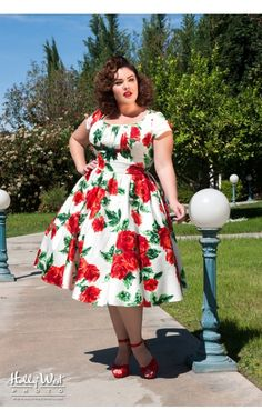 Pinup Couture- Evelyn Dress in Vintage Red Rose Floral with Bolero - Plus Size | Pinup Girl Clothing