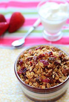 Akshayapaatram: Sprouted Quinoa & Oats Granola