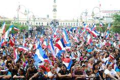 Norman Quijano y René Portillo Cuadra fórmula presidencial de ARENA en el cierre de campaña.