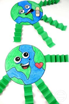 earth day activity for preschool kids Earth Day Activities, Art Therapy Activities, Art Activities For Kids, Spring Activities, Color Activities, Earth Craft, Earth Day Crafts, Kids Crafts, Preschool Crafts