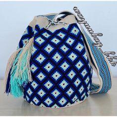"""26 Likes, 1 Comments - Wayuubag_BKK (@wayuubag_bkk) on Instagram: """"พร้อมส่งWayuu bag 1 strand size L สีสด สวยมากค่ะ สอบถามราคาและขอดูรูปเพิ่มเติมได้ที่ line :…"""""""
