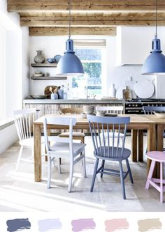 Pendant lights dining room-these are among the coolest living Pendelleuchten Esszimmer-diese gehören zu den coolsten Wohnaccessoires dining table wood dining chairs colored chairs pendant lights blue - Sweet Home, Colorful Chairs, Blue Chairs, Coloured Dining Chairs, Mixed Dining Chairs, Dining Room Lighting, Kitchen Lighting, Kitchen Chairs, Room Chairs