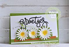 Madeliefjes maakte ik van de bloemetjes van de leuke flower set en deed er ook zonnige groetjes bij! Zo maak je deze kaart: Snijd een ...