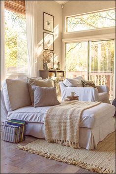 Great bedroom design and decoration ideas: Searching for bedroom decorations ideas? Search through ideas of bedroom design and colours to create your perfect home. Click the link to find out more. Big Living Rooms, Home And Living, Living Spaces, Family Rooms, Cozy Cottage, Cozy House, Cottage Style, Cottage Design, Cottage Living