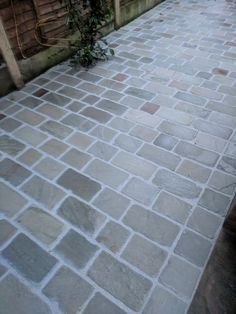 Home - Paul Mooney Construction Cobbled Driveway, Driveway Edging, Brick Driveway, Driveway Ideas, Patio Ideas, Sandstone Paving, Gravel Landscaping, Kerb Appeal, Brick Patios