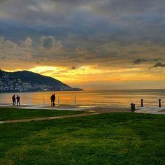 Ordu sahili ve gün batımı... Fotoğraf@biyiklarini_kesen_bilge #ordu #sahil #karadeniz #blacksea #turkey #memleketordu #günbatımı The Province, Black Sea, North West, Four Square, Beautiful Places, Coast, Turkey, Europe, Mountains