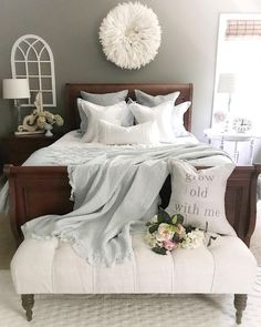 Combine dark wood with white and soft neutrals home decor en Rustic Bedroom Design, Rustic Master Bedroom, Bedding Master Bedroom, Farmhouse Bedroom Decor, Home Bedroom, Bedroom Inspo, Bedroom Ideas, Dark Wood Bedroom Furniture, Apartment Decoration