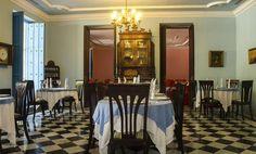 Situado en el Hotel Santa Isabel, frente a la encantadora Plaza de Armas, el restaurante El Condado nos propone cocina internacional de calidad y una excelente selección de vinos. #lahabana #cuba