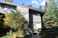 Deluxe condo in Sun Valley, Idaho. Home tour! What an amazing place to stay for a weekend getaway!