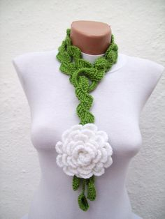 Hand crochet Lariat Scarf Green White  Flower Lariat di nurlu, $20.00