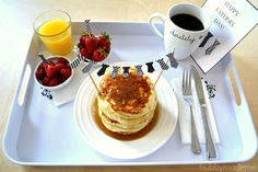 """May be next year when we arent working ill get up and make breakfast and do this. """"Dad"""" Tie Bunting and Card: Free Printables"""