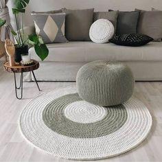 Luxury Carpet Runners For Stairs Knitted Pouf, Knit Rug, Crochet Home Decor, Diy Home Decor, Room Decor, Diy Carpet, Rugs On Carpet, Crochet Coffee Cozy, Crochet Carpet