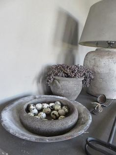 Could DIY this by dipping a thrift store bowl in concrete. Concrete Projects, Diy Projects, Tadelakt, Diy Interior, Home And Deco, Rustic Interiors, Rustic Chic, Wabi Sabi, Diy Furniture