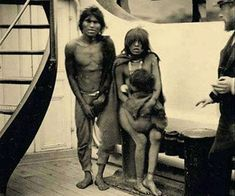 En route to Europe. Selknam natives en route to Europe for being exhibited as animals in Human Zoos, 1899 Human Zoo, Rare Historical Photos, 12 Tribes Of Israel, Prehistory, Native Indian, East Africa, South America, Nativity, The Past