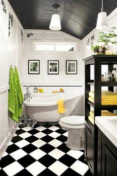 jolie salle de bain avec carrelage noir et blanc plafond sous pente en planchers boisjpg pixels - Salle De Bain Plafond Noir