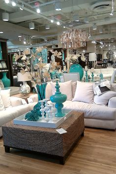 FOCAL POINT STYLING: STORE TOUR: Z GALLERIE NEW SPRING SET