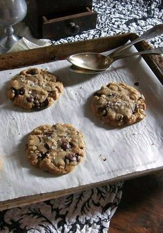 Oatmeal,Peanut Butter & Chocolate Chips Cookies..