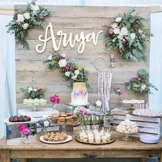 A Whimsical Feminine Baby Shower - Party * Boho - Baby Shower Ideas Boho Baby Shower, Baby Shower Floral, Baby Shower Desert Table, Baby Shower Backdrop, Wildflower Baby Shower, Baby Shower Table Set Up, Baby Shower Chair, Baby Shower Venues, Baby Shower Signs