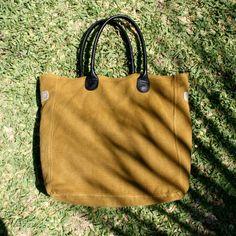 984c1204054c0 79 meilleures images du tableau Bonnie and Bag   Pouch bag, Leather ...