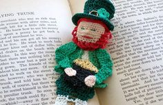 Irish leprechaun, St Patricks day decoration instructions, unique bookmark DIY, celtic crochet, Irish decor DIY from AndersonsCreations on Etsy Studio Crochet Hook Sizes, Thread Crochet, Easy Crochet, Crochet Hooks, Kids Crochet, Crochet Animals, Crochet Ideas, Crochet Bookmark Pattern, Crochet Bookmarks