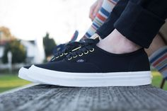 New trends, styles & looks for Spring 2015 for men, women & kids from the top brands in skate, snow, surf & style from Premium Label Outlet! Spring Style, Spring Summer, Women's Vans, Surf Style, New Trends, Style Guides, Spring Fashion, Pairs, News