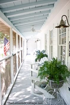 screened in porch - love the blue ceiling. Could have the gabled entry in the middle of the shed porch roof, allowing for sunset seating at both ends. Screened In Porch, Screen For Porch, Front Porch, Porch Bench, Side Porch, Haint Blue Porch Ceiling, Sky Ceiling, Ceiling Color, Ceiling Beams