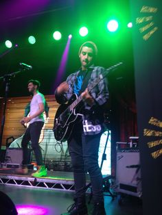 James and Luke onstage <3