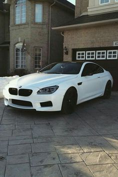 The BMW was unveiled at the Frankfurt Motor Show in 2013 and is a plug in hybrid sports car. The combines a turbo charged motor with a large electric engine and the car has some impressive performance figures. Rolls Royce, My Dream Car, Dream Cars, E90 Bmw, Bmw 4, Bmw Autos, Lux Cars, Car Goals, Bmw Series