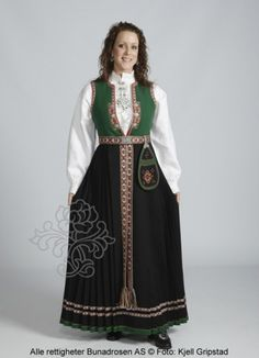 Sunnfjordbunad med grønt liv og vevet belte - My travel companion was measured for outfit while visiting family. Folk Costume, Costumes, Sweet 16 Party Themes, Norwegian Clothing, Children's Book Writers, Norwegian Wedding, Traditional Outfits, Norway, Kids Fashion