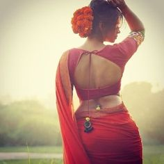 Here comes another gallery of stunning Indian women. As per our custom they all are in saree. Enjoy the rarest photos of Indian women in. Beautiful Girl Indian, Beautiful Saree, Beautiful Indian Actress, Beautiful Women, Sexy Bluse, Saree Backless, Stylish Blouse Design, Bollywood, Saree Models