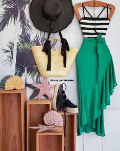 Send to all over the world  Tüm dünyaya gönder إرسال إلي . Summer Wedding Outfits, Casual Summer Outfits For Women, Cute Fashion, Retro Fashion, Fashion Outfits, Parisian Fashion, Bohemian Fashion, Fashion Clothes, Fashion Fashion