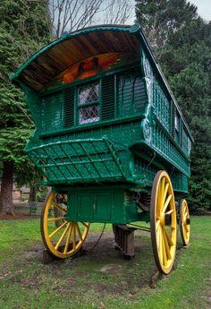 Romany-gypsy-caravan-