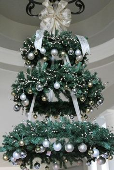 Hanging Christmas Tree - WREATH CHANDELIER ~ This would be so pretty in the entryway! this would make a very pretty outdoor tree for our porch Christmas Decor Diy Cheap, Hanging Christmas Tree, Decoration Christmas, Noel Christmas, Christmas Projects, Winter Christmas, Christmas Wreaths, Christmas Ornaments, Gold Ornaments