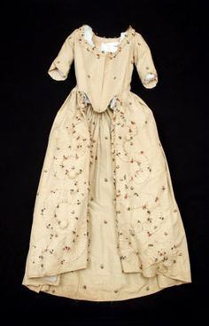 1770 open robe polonaise. Snowshill Manor. In Janet Arnold, Patterns of Fashion 1, pg 37-39. Cotton, Linen, Silk damask