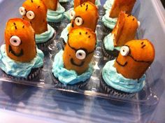Minion cupcakes for friends birthday.