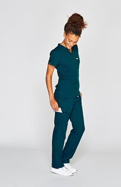 Why We Love This There are never enough hours in the day, but there can be enough pockets. With all the pockets you'll need, our Torbeck pants put your focus on the important stuff instead of a gadget