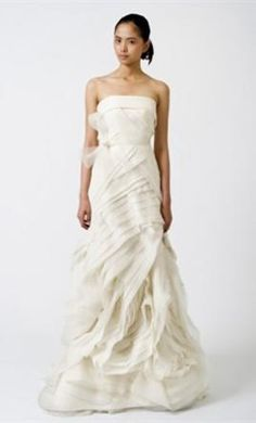 Sample Vera Wang Wedding Dress Erica, Size 10    Get a designer gown for (much!) less on PreOwnedWeddingDresses.com  $3,000 Listing #68466