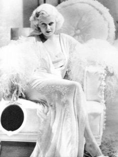 Jean Harlow  Google Image Result for http://www.classichollywoodbios.com/Images/Jean%2520Harlow%2520Images/Harlow.jpg