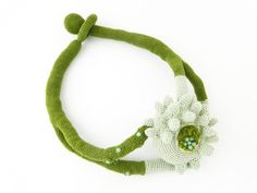 """Lidia Puica - Collection """"The forest touch"""" Green Necklace with Flower Made of: Cotton thread, glass beads Size: 51 cm"""