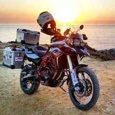 Bmw Motorbikes, Cool Motorcycles, Vintage Motorcycles, Trail Motorcycle, Motorcycle Style, Gs 1200 Bmw, Cafe Racing, Dirtbikes, Sport Bikes
