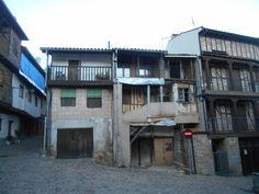 Villanueva del Conde. Casas típicas en la parte de El Solano