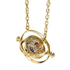 Hermione Granger's Time Turner A Time-Turner may be used for short-term time travel . Hermione receives a Time-Turner from McGo. Harry Potter Hermione Granger, Harry Potter Laden, Cosplay Harry Potter, Anillo Harry Potter, Harry Potter Schmuck, Bijoux Harry Potter, Cadeau Harry Potter, Boutique Harry Potter, Harry Potter Shop