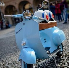 10″ wheels and cobbles, ouch. Still, looking smart... - All things Lambretta & Vespa