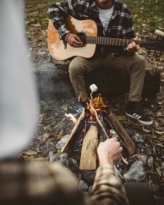 RV And Camping. Great Ideas To Think About Before Your Camping Trip. For many, camping provides a relaxing way to reconnect with the natural world. If camping is something that you want to do, then you need to have some idea Camping Life, Tent Camping, Camping Hacks, Outdoor Camping, Camping Packing, San Myshuno, Foto Portrait, Camping Aesthetic, Camping Photography