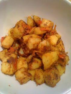 Slimming World recipes: Bombay Potatoes syn free Slimming World Fakeaway, Slimming World Dinners, Slimming World Syns, Slimming Eats, Slimming World Recipes, Curry Recipes, Veggie Recipes, Indian Food Recipes, Vegetarian Recipes