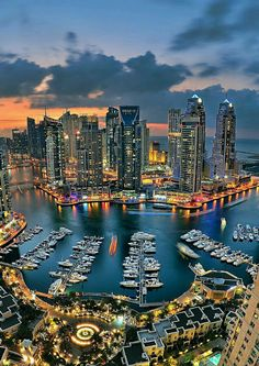 Top 10 Things To Do In Dubai! Dubai unabashedly aims to be the biggest, best, an… Top 10 things to do in Dubai! Dubai strives unabashedly to be the largest, best and most modern city in the world. Read more about Avenly Lane Travel Beautiful Places To Visit, Cool Places To Visit, Places To Travel, Travel Destinations, Dubai City, Dubai Uae, Dubai Trip, Dubai Vacation, Visit Dubai