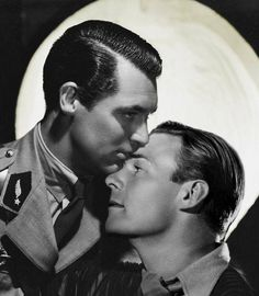 Cary Grant and Randolph Scott were 2 handsome bachelors and Hollywood Heartthrobs who lived together off-and-on for nearly 12 years, but were the two living together as a gay couple in plain sight during the oppressive or were the rumours false? Vintage Couples, Cute Gay Couples, Vintage Men, Cary Grant Randolph Scott, Gary Grant, Classic Hollywood, Old Hollywood, Cary Grant Daughter, Viejo Hollywood